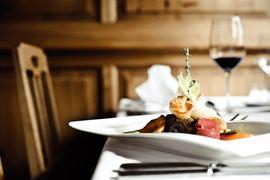 Kulinarische Höhenflüge im Wellnesshotel Warther Hof in Warth am Arlberg.