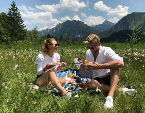 Romantic pic nic for two
