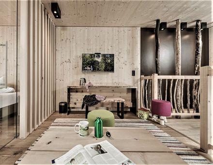 """Hotel Zimmer: """"69er"""" Baumhaus-Suite - Mia Alpina"""