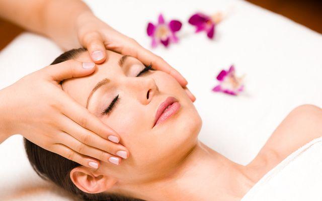 Facial Massage - Mia Alpina