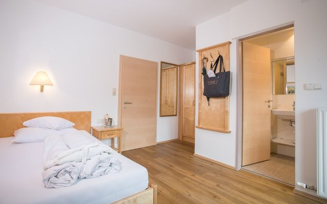 NEW: Single room with balcony (in annex building)