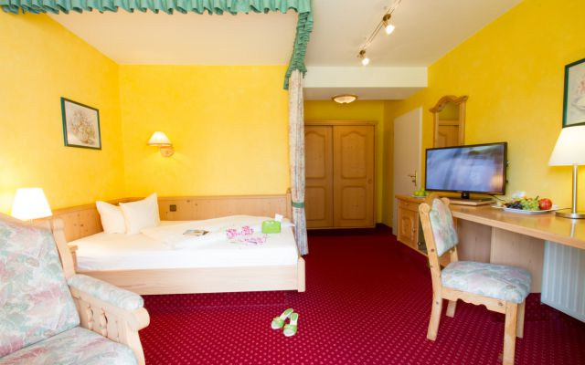 "Single Room ""Wachtfels"" - PFALZBLICK WALD SPA RESORT"