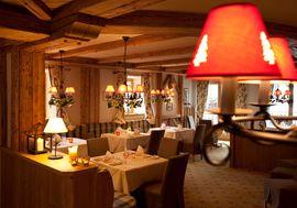 Hotel Post****superior Lermoos Restaurant Kaminstube