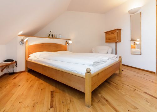 Double room (small, with sloping roof) (1/3) - Alter Wirt