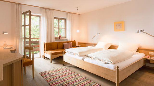 Komfort-Doppelzimmer Haupthaus mit 4 Gänge Bio Abendmenü