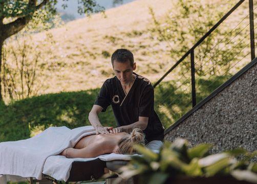 Biohotel Chesa Valisa Hirschegg Wellness Massage - Das Naturhotel Chesa Valisa