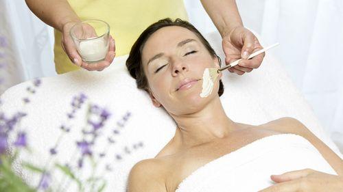 Kosmetik-Fachkraft in Teil-/Vollzeit oder freie/r Mitarbeiter/in (m/w/d)