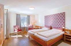 """Biohotel Eggensberger: Mehrbett-Zimmer Appartement """"Morgensonne"""" PLUS - Biohotel Eggensberger, Füssen - Hopfen am See, Allgäu, Bayern, Deutschland"""