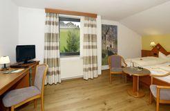"Double Room ""Meadow"" BASIC (2/5) - Biohotel Eggensberger"