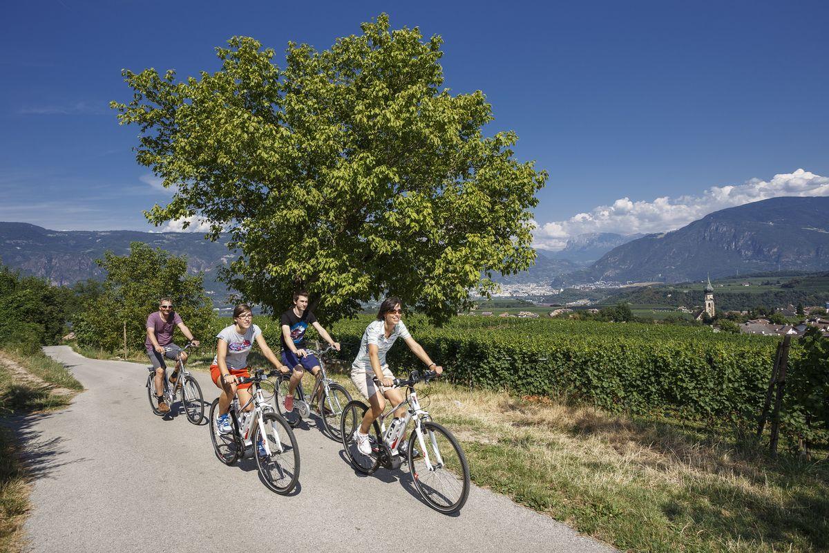 Settimana in bici da corsa nelle Dolomiti