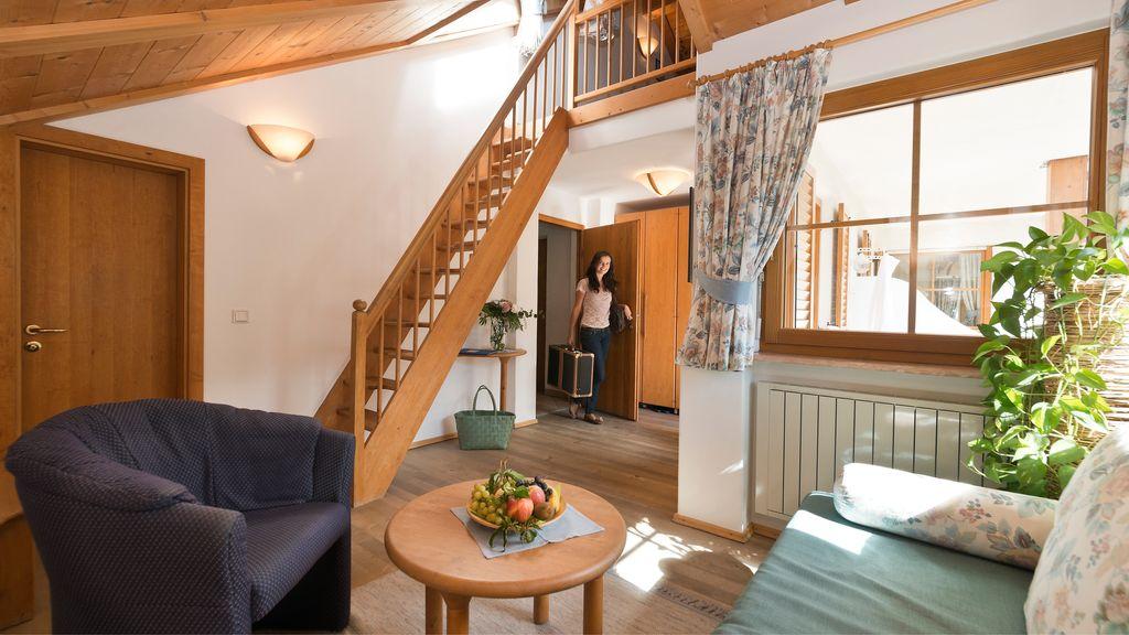 Doppelzimmer mit treppe for Warnemunde zimmer mit fruhstuck