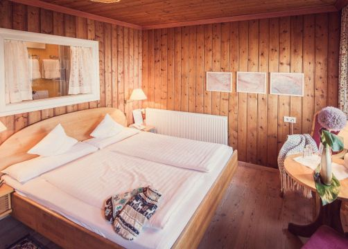 Biohotel Grafenast Pillberg Doppelzimmer Talblick (4/5) - Biohotel Grafenast