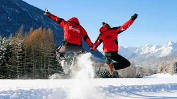 Silvester in Tirol Schnee Urlaub Biohotel Schweitzer