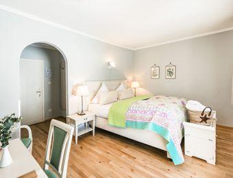 Camera doppia naturalmente sana con vista giardino garden - Schlossgut Oberambach