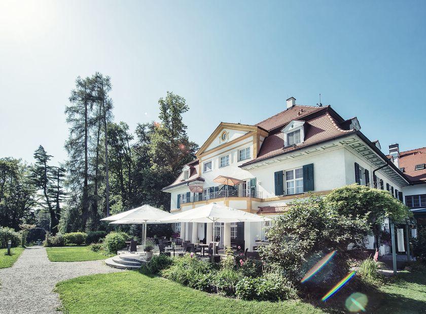 Schlossgut Oberambach , Münsing am Starnberger See, Starnberger See / Tölzer Land, Baviera, Germania (1/39)