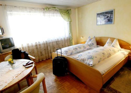Biohotel Rose Ehestetten Zimmer Standardzimmer (1/2) - Bio-Hotel und Restaurant Rose