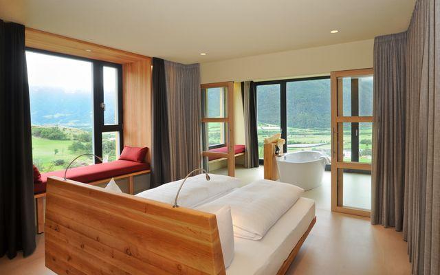 Biohotel Panorama: Wohnraumloggia mit drehbarem Bett
