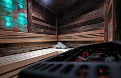 Biohotel moor&mehr: Entspannen in der Sauna - moor&mehr Bio-Kurhotel, Bad Kohlgrub, Bayern, Deutschland