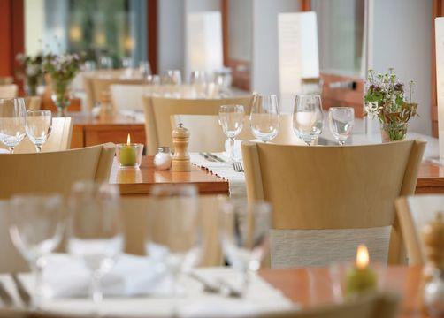 Biohotel L'Aubier Eco-Hotel: Restaurant - L'Aubier, Eco-Hôtel, Montezillon, Neuenburg, Schweiz
