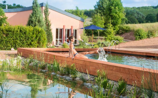 Biohotel Menschels Vitalresort: Naturschwimmbad