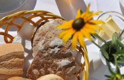 BIO HOTEL Anna: Brot - Landhotel Anna & Reiterhof Vill, Schlanders, Vinschgau, Trentino-Südtirol, Italien