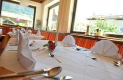 BIO HOTEL Anna: Speisesaal - Landhotel Anna & Reiterhof Vill, Schlanders, Vinschgau, Trentino-Südtirol, Italien