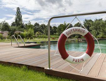 biohotel gutshaus parin schwimmbad