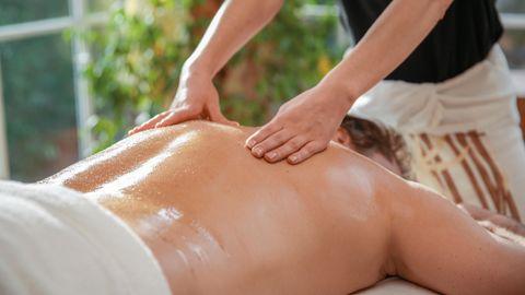 Massage classique d'une partie du corps