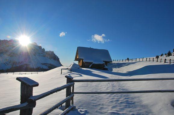 Winter, Costaces Hütte in Am Würzjoch, Südtirol, Alto Adige, Italy