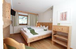 Familienzimmer Wildspitzblick (3/4) - Biohotel Stillebach