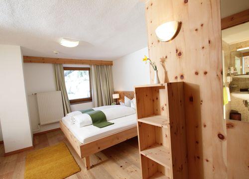 Biohotel Stillebach Zimmer Zirben Doppelzimmer (1/1) - Biohotel Stillebach