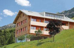 Biohotel Mattlihüs: Hotel im Sommer - Biohotel Mattlihüs, Oberjoch, Allgäu, Bayern, Deutschland