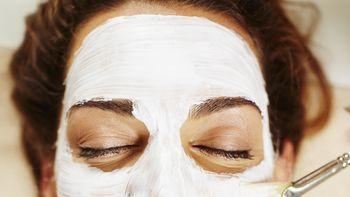 Soin contre l'acnée