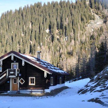 Firstwandhütte II, Winter