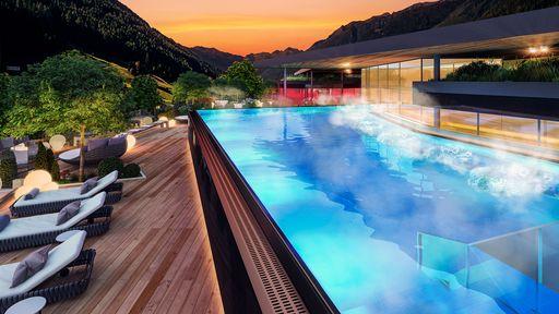 Sunset Sky Pool im AMONTI Wellnessresort, Südtirol