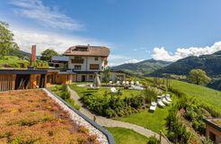 Biohotel Pennhof: Hotel im Sommer - Pennhof, Barbian (Bozen), Trentino-Südtirol, Italien