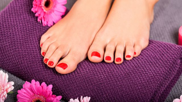 Pedicure with SHELLAC