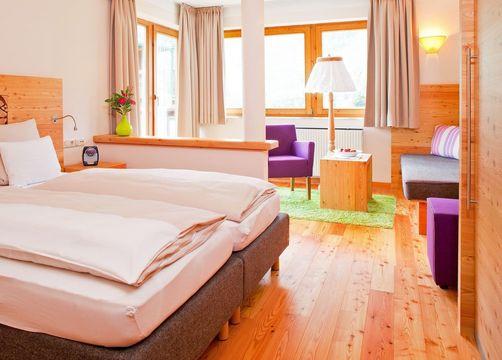 Biohotel Holzleiten Doppelzimmer Wanneck (4/4) - Bio-Wellnesshotel Holzleiten