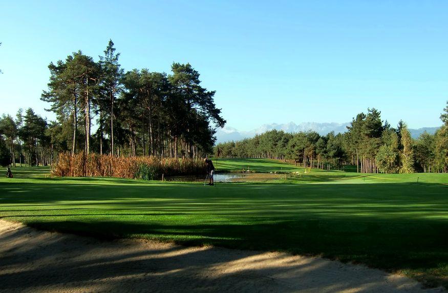Golfer's Delight | High season