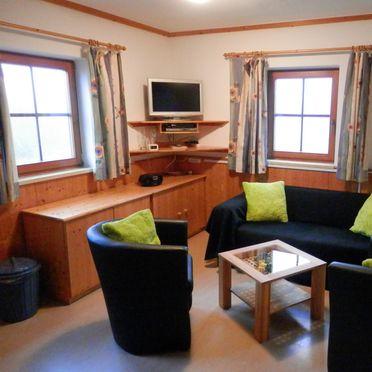 Schönberghütte am Feuerkogel, Wohnecke mit TV