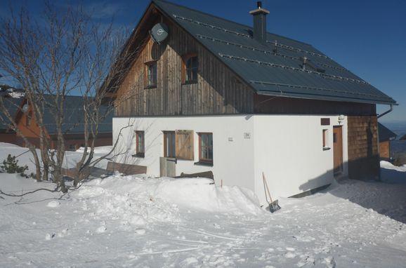 Winter, Steinkogelhütte am Feuerkogel in Ebensee, Oberösterreich, Upper Austria, Austria