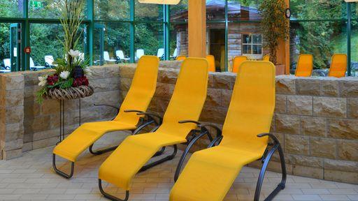 """Gönnen Sie sich eine Auszeit in der Saunalandschaft des Hotel Sonnenhügels und entspannen Sie im """"Saunagarten""""."""
