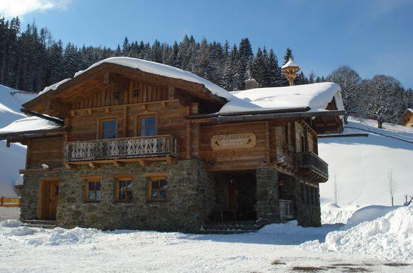 Winter, Oberprenner Almchalet, Haus im Ennstal, Schladming-Dachstein, Styria , Austria