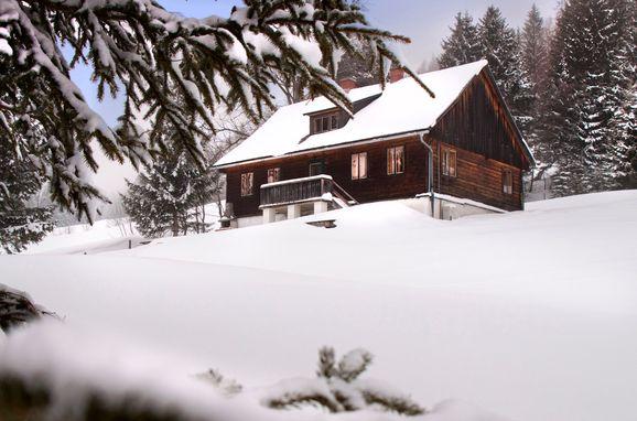 Winter, Hütte Weikhardt in Tauplitz, Steiermark, Steiermark, Österreich