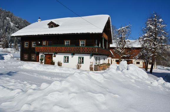 Winter, Bauernhaus Lammertal in St. Martin, Salzburg, Salzburg, Austria
