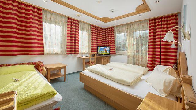 Doppelzimmer Schwalbennest in der Alpenvilla St. Johanner Hof