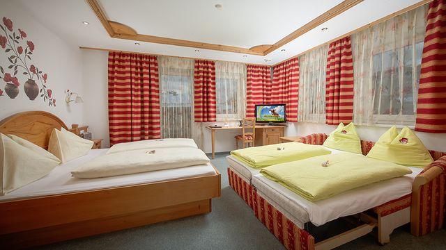 Doppelzimmer Amselnest in der Alpenvilla St. Johanner Hof