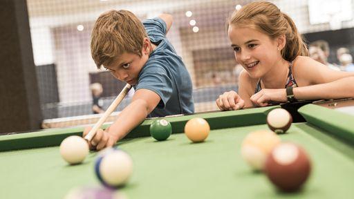 Die Teens-Lounge, ein Bereich zum Quatschen, Spielen und gesellig sein speziell für Teens