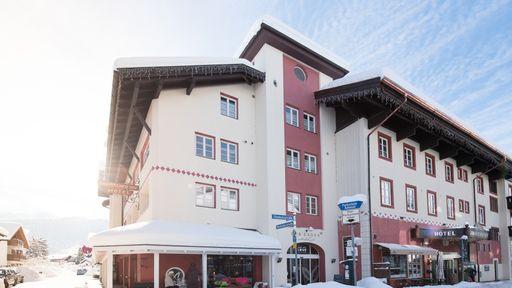 Biohotel Garmischer Hof Winter Außenansicht