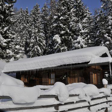 Winter, Jägerhütte in St. Johann im Ahrntal, Südtirol, Trentino-Südtirol, Italien